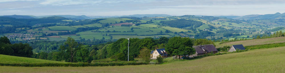 Malvern Hills cottage, sleeps 6, 7, in Knighton, Ludlow, Welsh Marches, Presteigne, UK